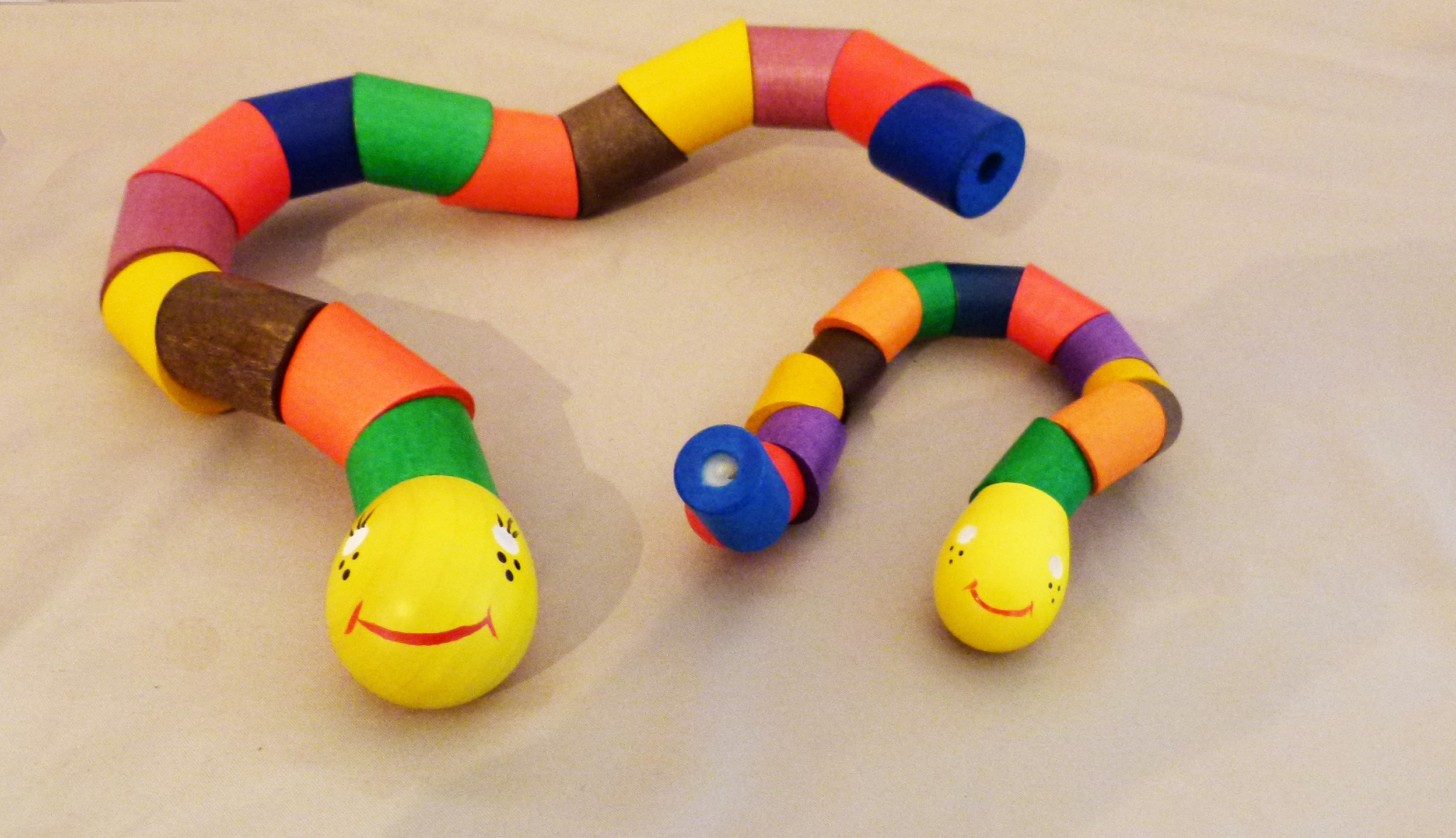 wooden snakes color